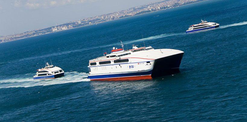 التنقل باستخدام الحافلات البحرية