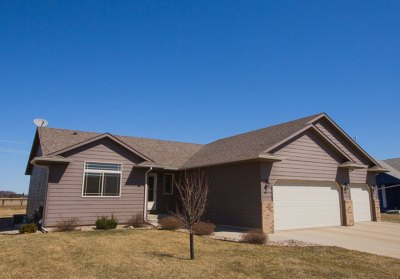 604 St Gregory St. Harrisburg, SD 57032