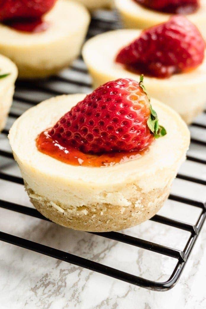 strawberry keto cheesecake minis