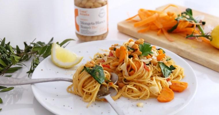 Spaghettis aux haricots blancs, carottes et épinards