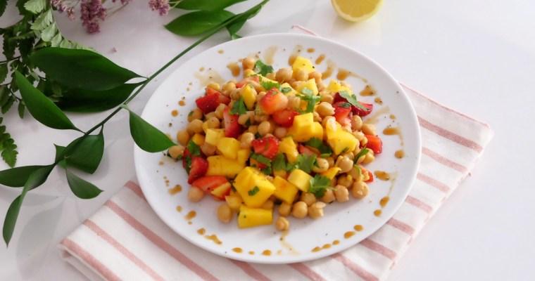 Salade rafraîchissante de pois chiches et mangue
