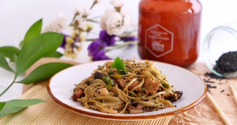 Asiatic pasta with seitan and shiitake