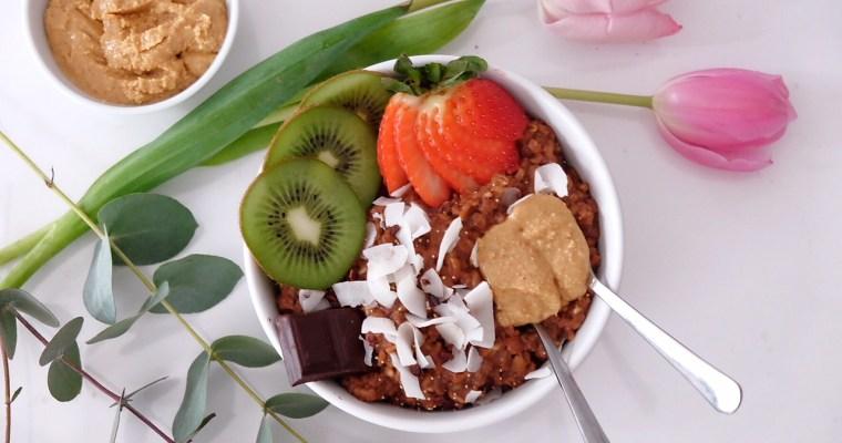 Porridge des amoureux au chocolat et beurre de cacahuète