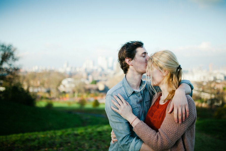 Proposal photos in Greenwich park by greenwich wedding photographer