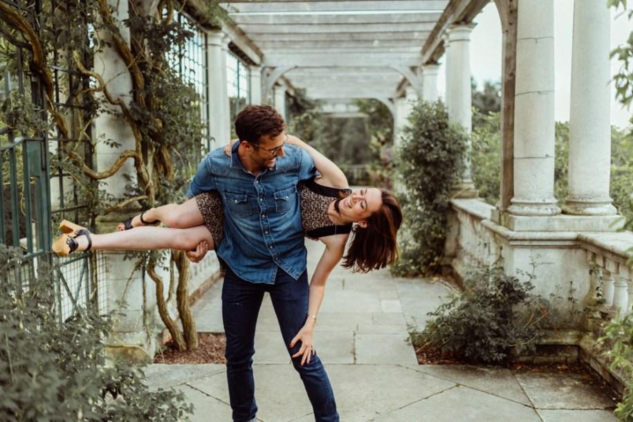 couple having fun at Pergola and Hill Gardens in Hampstead Heath