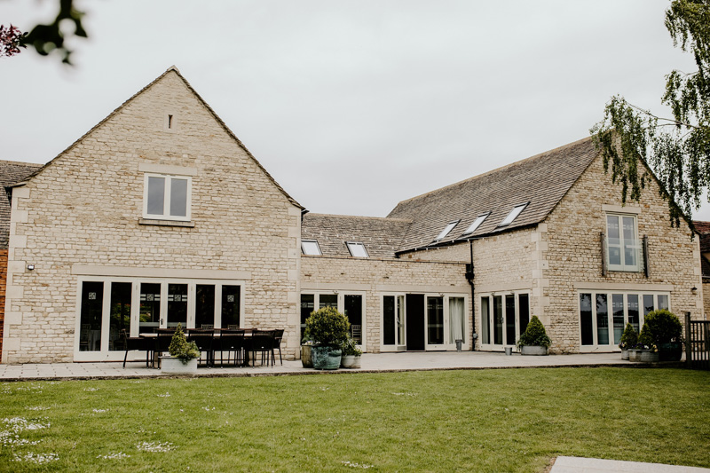 Hyde House Cotswolds wedding Photographers