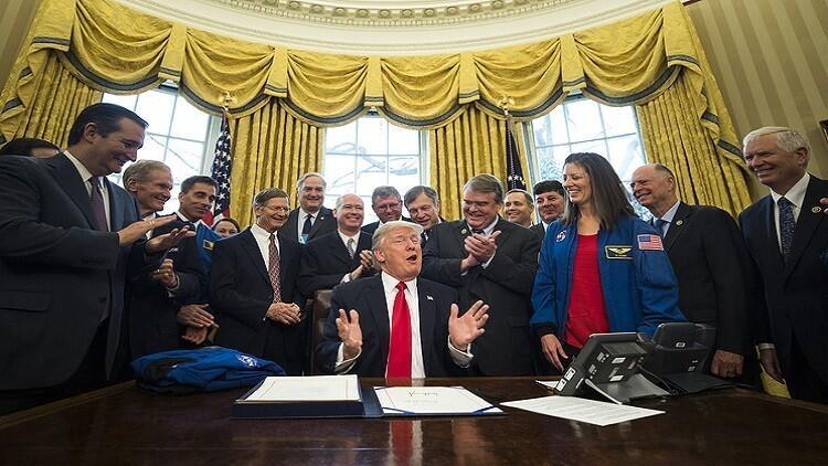 ترامب ينقل اهتماماته إلى المريخ