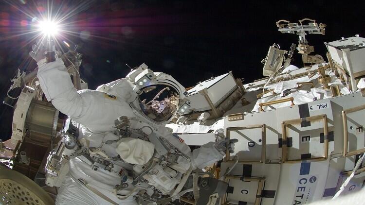 طاقم المحطة الفضائية الدولية ينجح في إصلاح هوائيات المحطة المعطلة