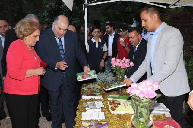 سوق الأزهار والشتول في زحلة