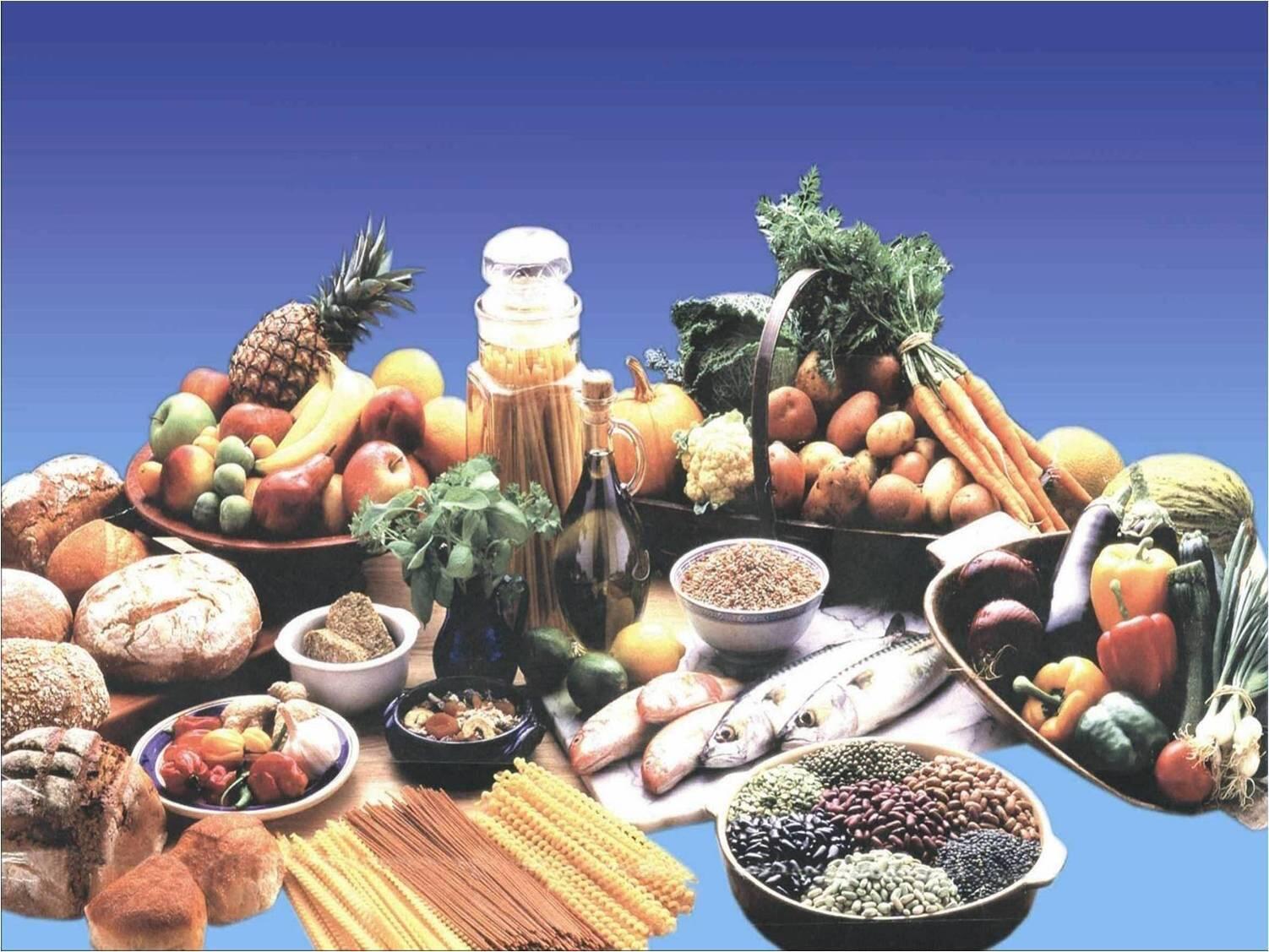 تناول الفاكهة كثيراً قد يخفف بشكل كبير من خطر الأمراض القلبية وضغط الدم والسمنة وأمراض القلب وبعض أنواع السرطانات