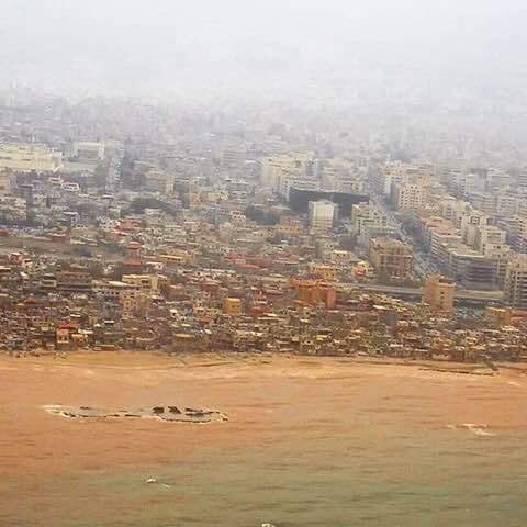 الفساد يلوث بحر لبنان!