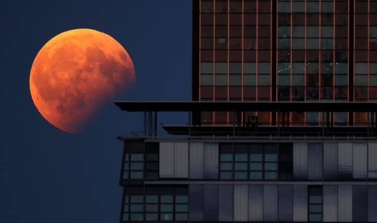 خسوف القمر حول العالم