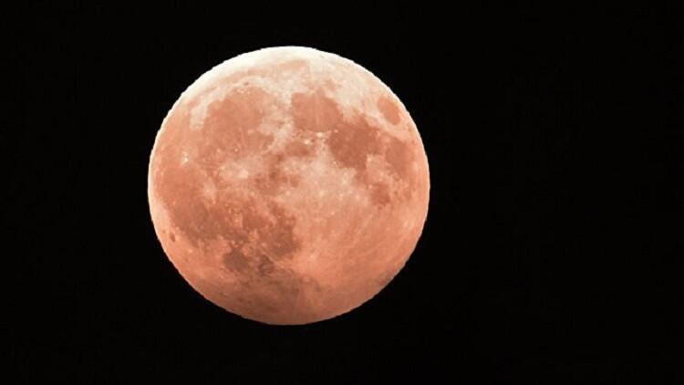 """الوكالة الفضائية الروسية تقر تصميم مسبار """"لونا-25"""" القمري"""