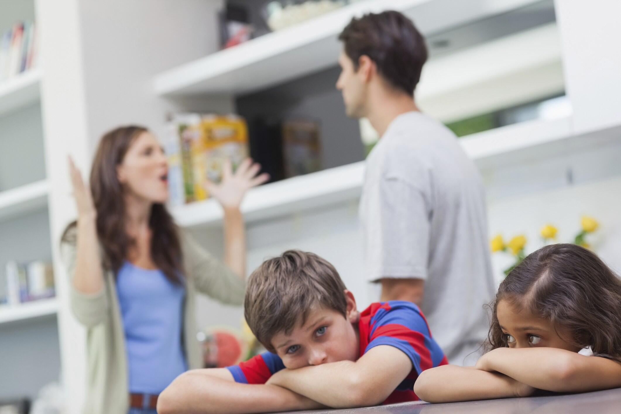 إنعكاسات المشاكل العائلية على الطفل .. نفسية وجسدية !