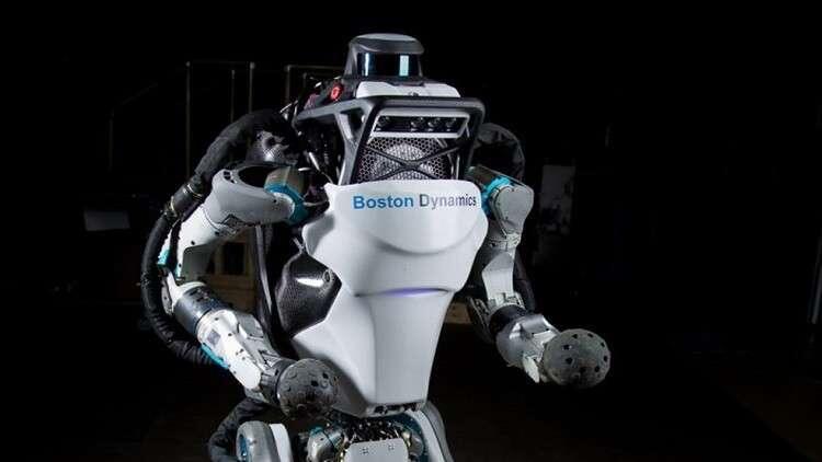 روبوت خارق يقوم بحركات يعجز عنها معظم البشر!