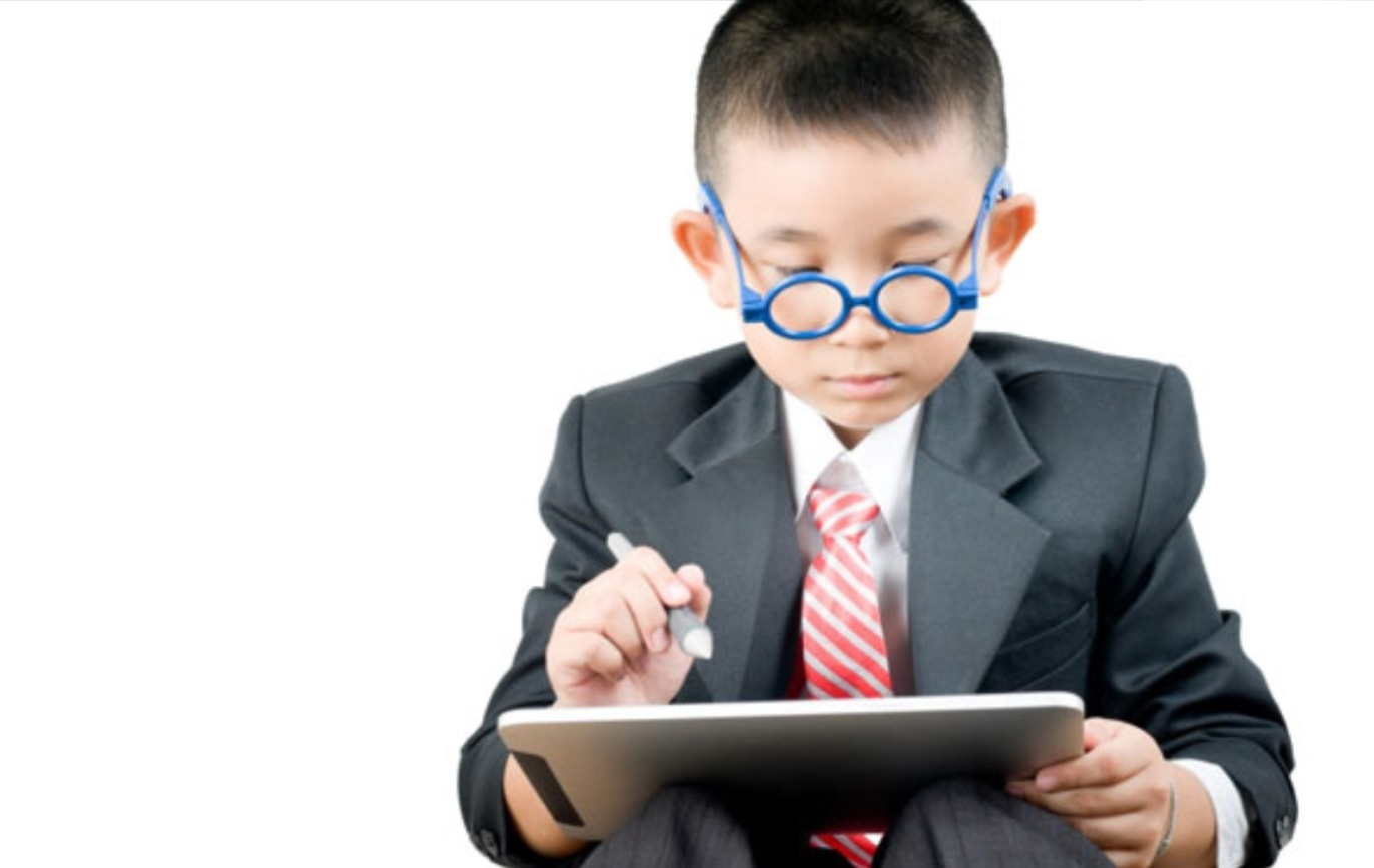 24 درسًا عليك أن تعلّيميه لابنك ليصبح رجلًا محترمًا