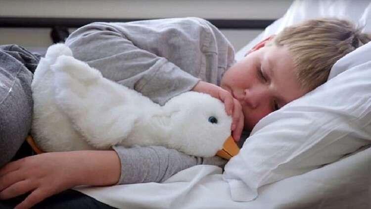 """""""بطة روبوتية"""".. أمل الأطفال المصابين بالسرطان"""