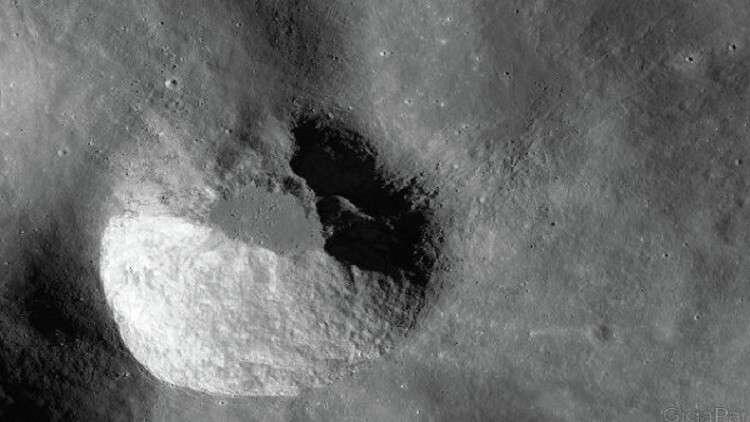 """خطة """"سبيس إكس"""" لاستيطان القمر"""