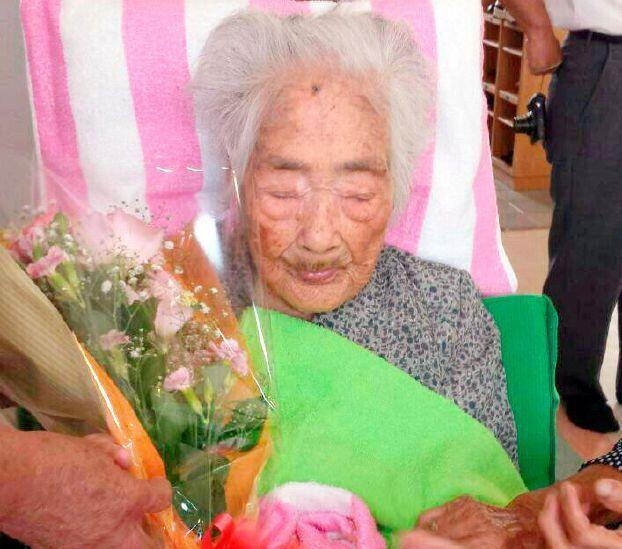 وفاة «عميدة سن البشرية» المفترضة عن 117 عاماً في اليابان