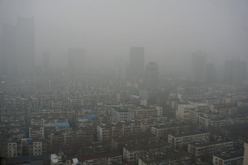 الصين توسع معركة السماء النظيفة في حملة تخيم على آفاق الاقتصاد
