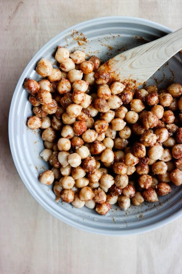 Verdens beste snacks, som også er sunn og full av proteiner? Rista kikerter!
