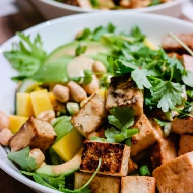 Thaisalat med mango og avocado