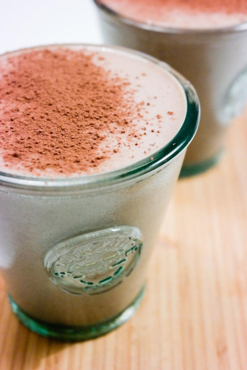 Spiller ingen rolle om du kaller det kakao eller milkshake - denne med kakao og peanøtt er knallgod!