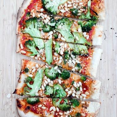 Klart du kan grille pizza - spesielt med brokkoli!