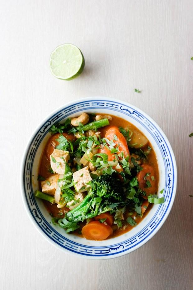 Visste du at rød curry med grønnsaker og tofu er perfekt restefest-oppskrift?