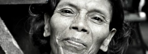 Grandmother begs - Kampot
