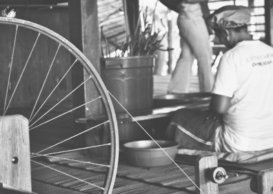 spinningwheelsilkbw