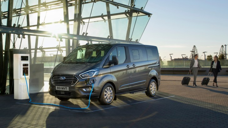Ford Tourneo Custom: plug-in hybride voor grote gezinnen