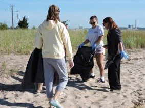 ICC 2016 volunteers at Sandy Point Beach in West Haven.