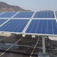 Solar pannels and mounting structure at rooftop