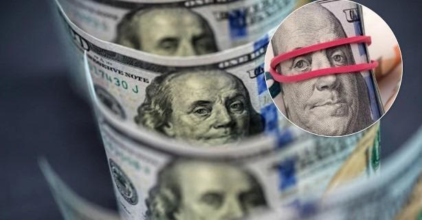 Доллар может упасть на 40%: что ждет украинцев и какие прогнозы