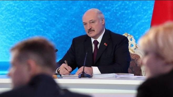 Білорусь б зникла: Лукашенко пояснив, чому не ввів карантин через пандемію
