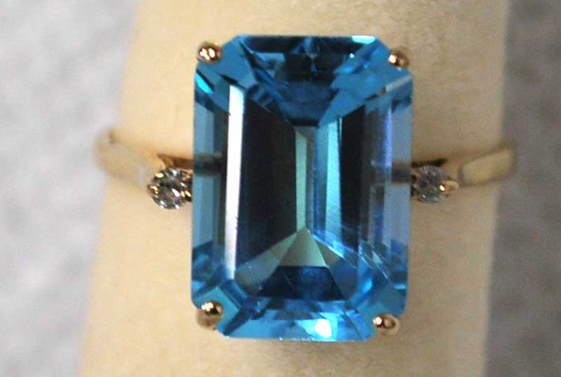 Yellow Gold, Blue Stone - Inv # 39802-2