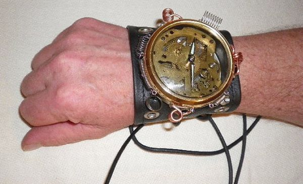 Handmade, recycled steampunk time piece 1