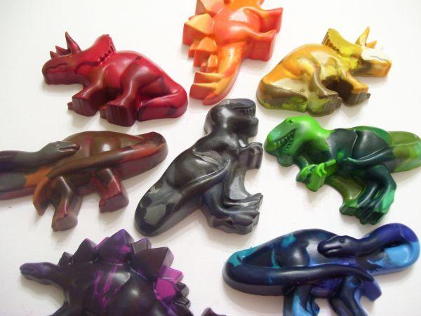 Jumbo dinosaurs crayons