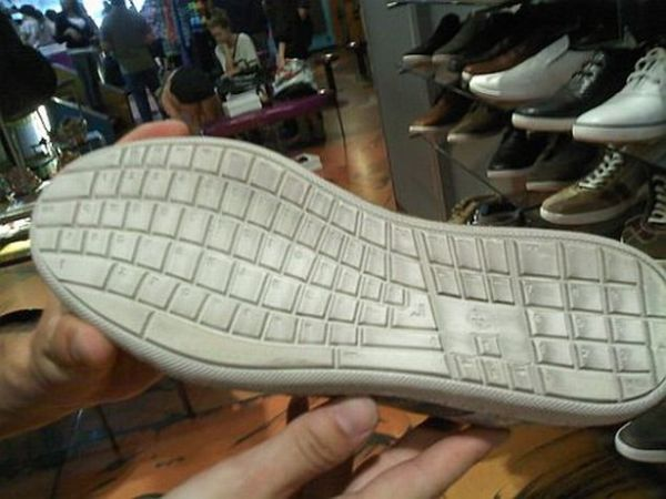 Keyboard shoe