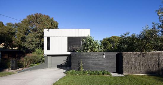 marcus beach house2