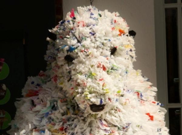 Polar bears by Tone Holmen