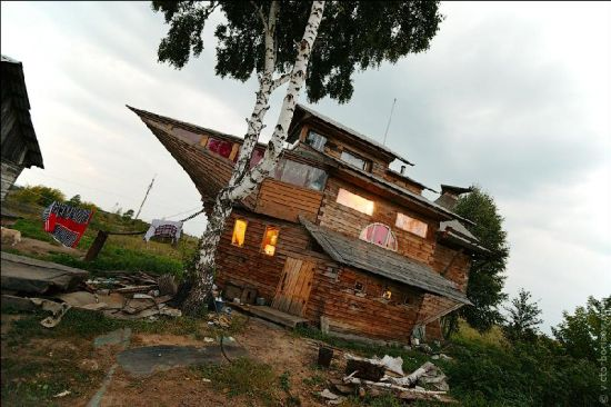recycled ship house 2
