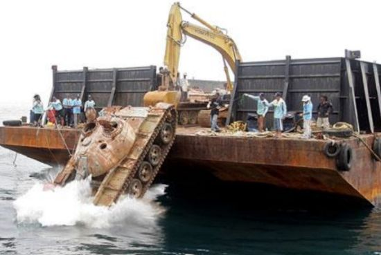 royal thai army dumps disused tanks in ocean to cr