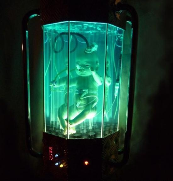 scifi artificial womb sculpture3