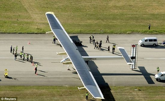 solar impulse solar powered plane 2