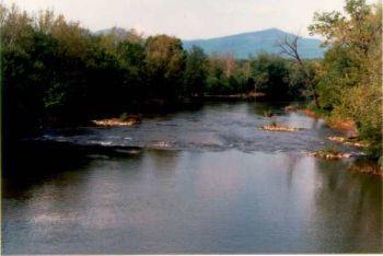 the potomac river basin drains 9
