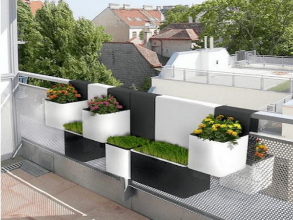 Ultra-futuristic Planter