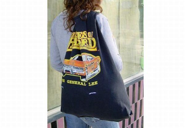 UnNakd85's t-shirt bags
