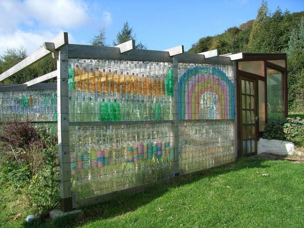 Wall out of plastic bottles